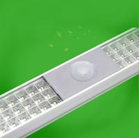 LED日光灯微波雷达灯管红外红感应车库灯1.2米