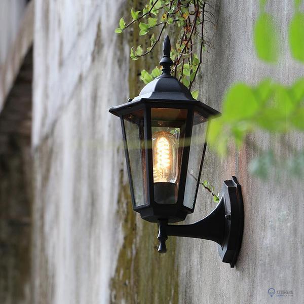 室外壁灯常见的三种安装方式