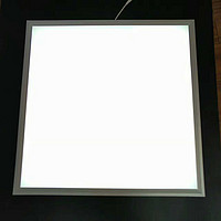 简约白色方形室内面板