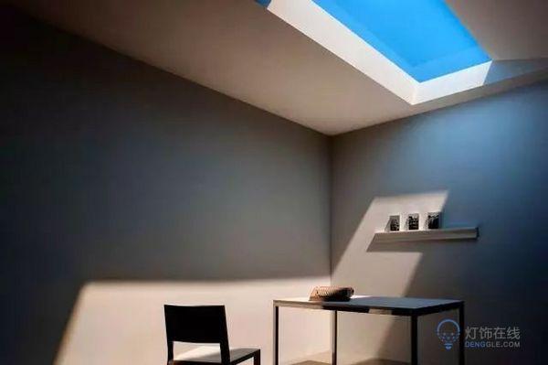 有阳光又没紫外线  这款模拟蓝天LED灯火了