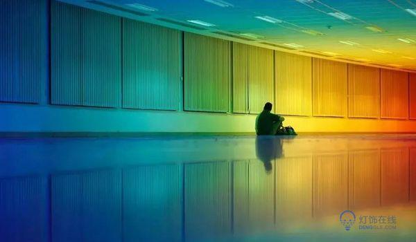 沉浸式的彩虹空间