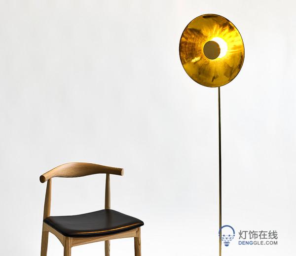 金黄太阳灯