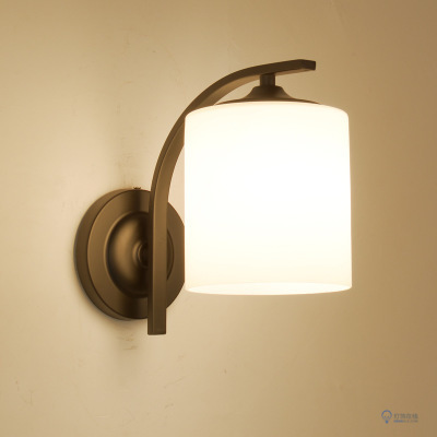 欧式创意壁灯有很多种 怎样选择