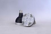 银圈黑色铝壳节能par灯