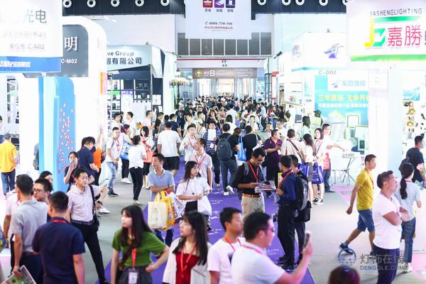 源产地+全产业链,第25届古镇灯博会将于开春3月耀世启幕